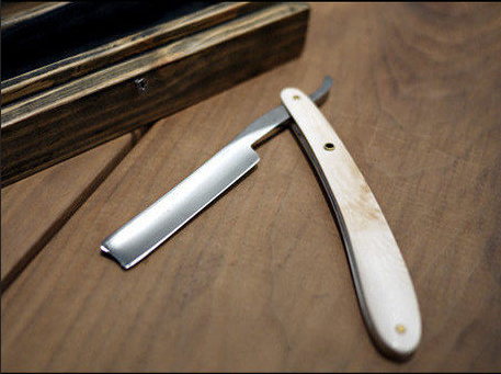Mammoth straight razor from Occulter